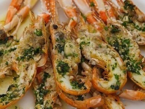LANGOUSTINES GRILLED WITH GARLIC